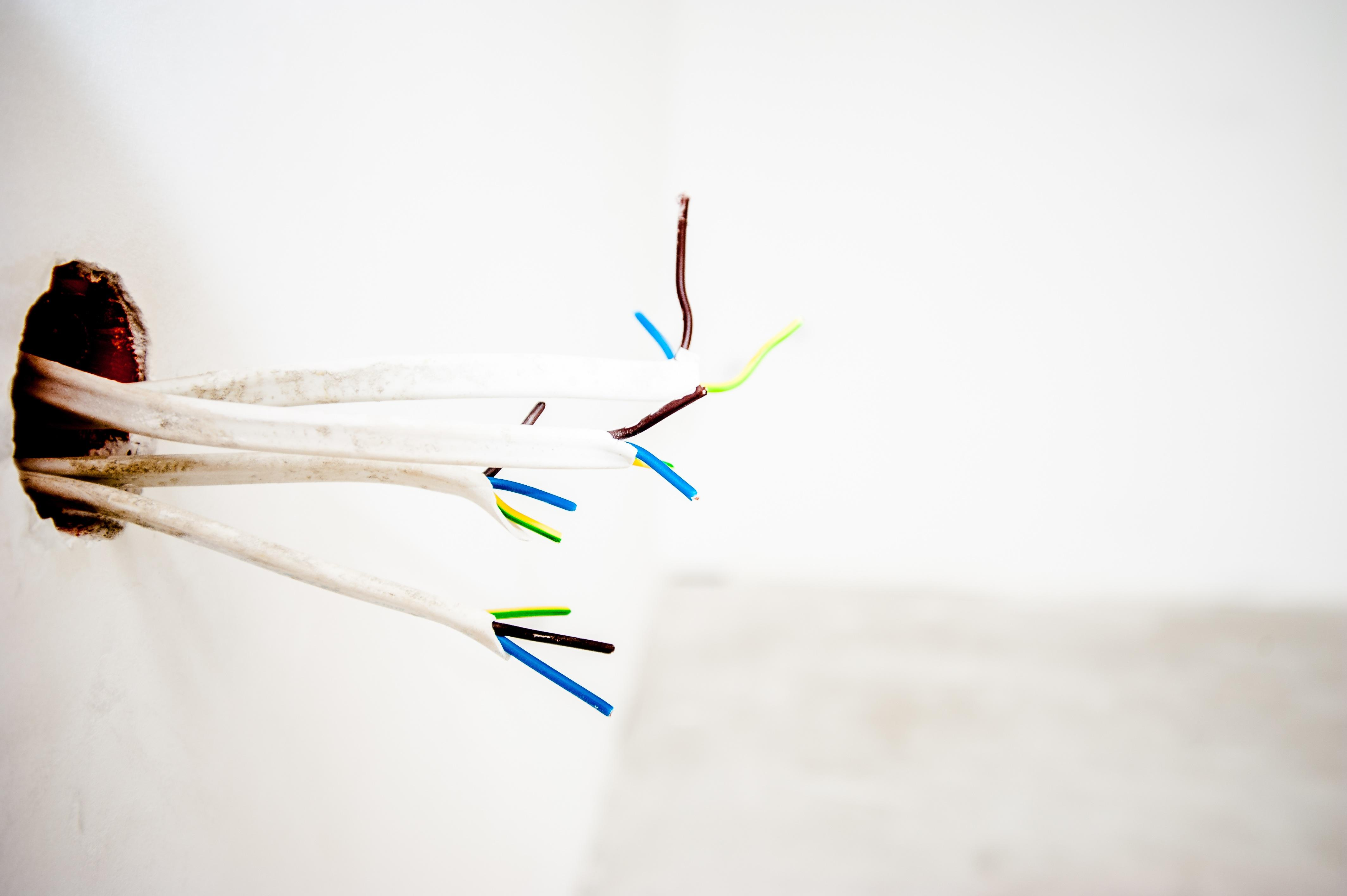 cables-1080569.jpg